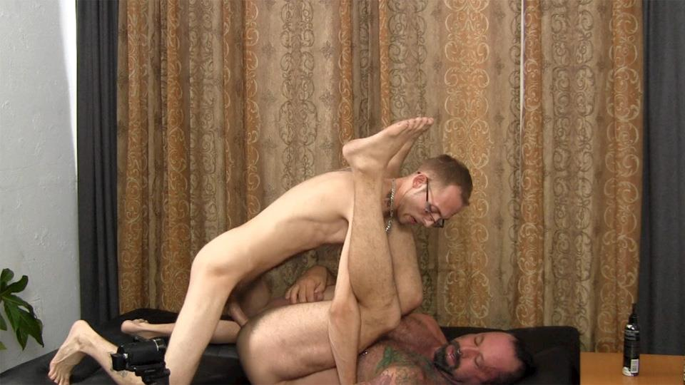 Straight-Fraternity-Older-Hairy-Muscle-Bear-Gets-Barebacked-by-Younger-Amateur-Gay-Porn-24 Muscular Hairy Daddy Gets Barebacked By Straight Younger Guy