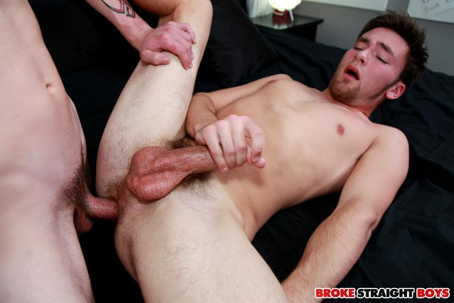 Broke-Straight-Boys-Cage-Kafig-and-Ian-Dempsey-Bareback-fucking-Amateur-Gay-Porn-27 Broke Straight Boy Cage Kafig Fucks Ian Dempsey Bareback For Cash