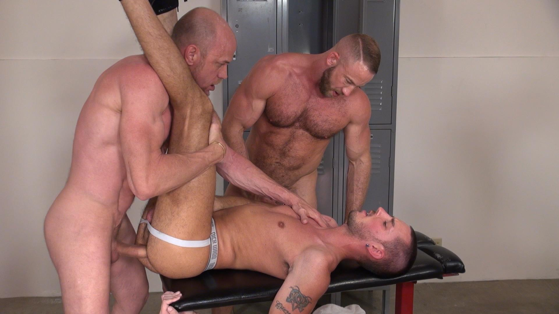 Raw-and-Rough-Gio-Ryder-and-Shay-Michaels-and-Parker-Jock-Gets-barebacked-by-two-muscle-daddy-Amateur-Gay-Porn-06 Jock Sniffing Slut Gio Ryder Takes Bareback Cocks Up The Ass