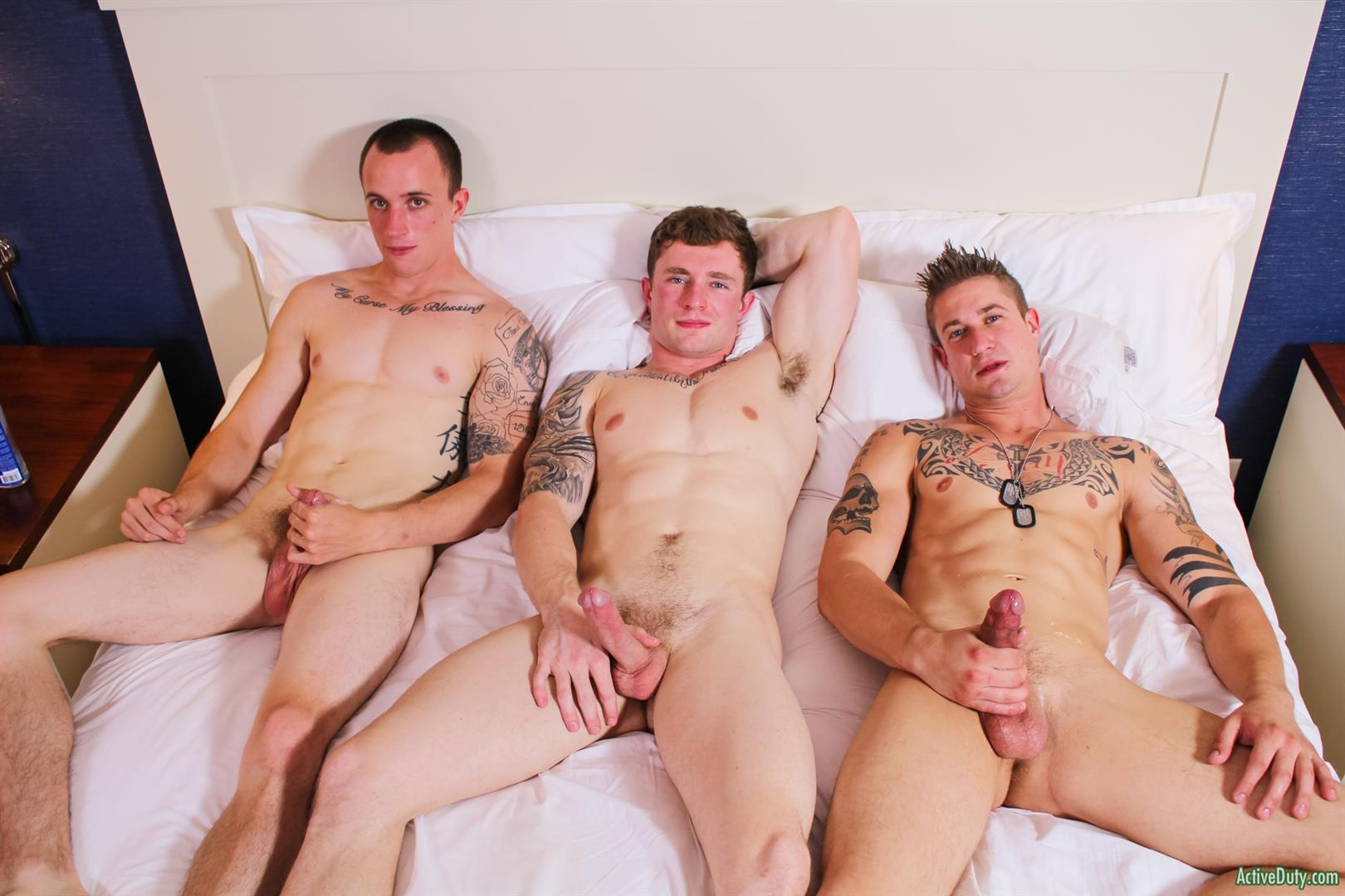 Active-Duty-Threeway-Army-Guys-Bareback-Sex-Video-Amateur-Gay-Porn-15 Big Dick Muscular Army Guys In A Bareback Threeway