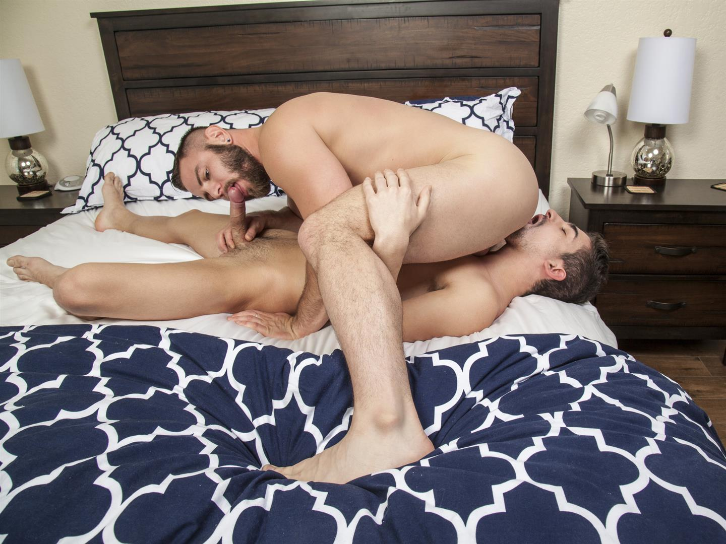 Randy-Blue-Nick-Sterling-and-Lukas-Valentine-Beefy-Cub-Bareback-Sex-Amateur-Gay-Porn-29 Beefy Nick Sterling Barebacks Lukas Valentine With His Thick Cock