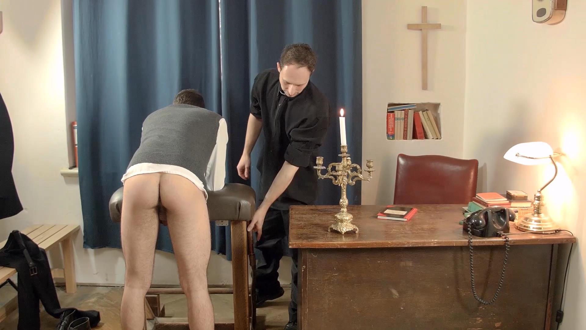 Bareback Me Daddy Oscar Hart Priest Fucks Bareback Amateur Gay Porn 02 College Boy Gets Fucked Bareback By An Older Priest With A Big Uncut Cock
